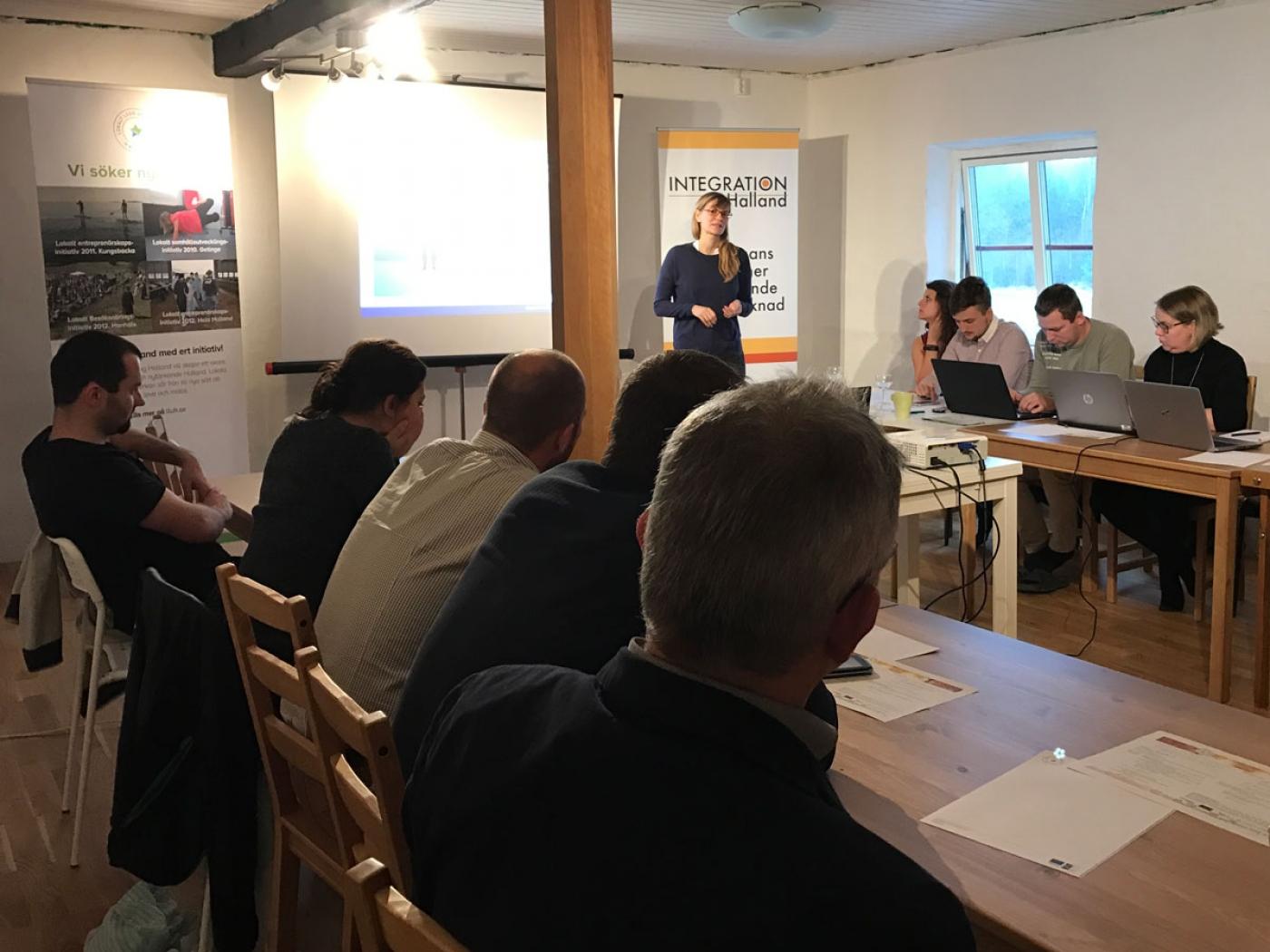 Hannah Kath referiert über die aktuelle Flüchtlingssituation und Integrationsmaßnamen in der Region Hochsauerland