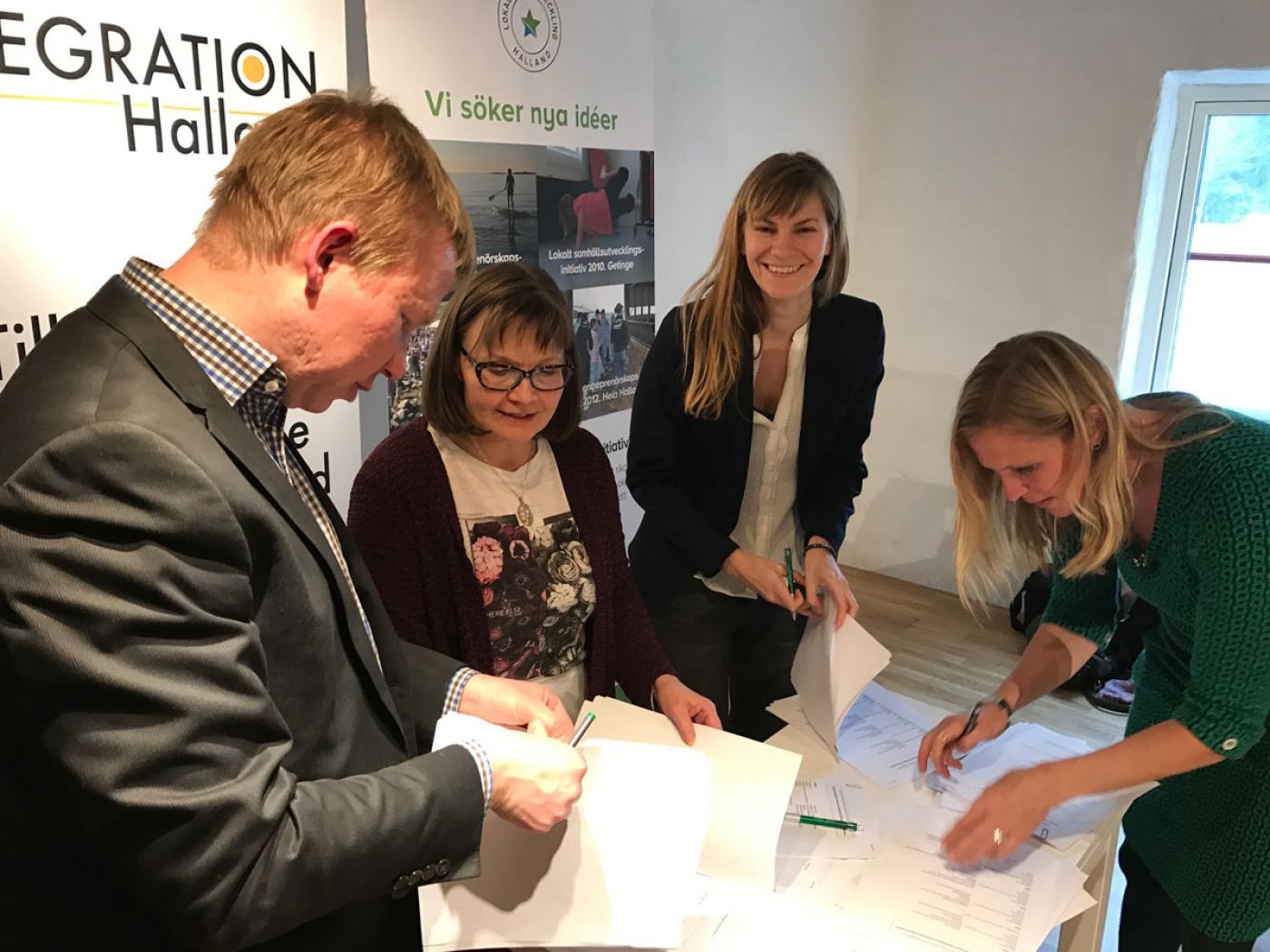 Unterzeichnung des Kooperationsvertrags der 16 Regionen als Deutschland, Österreich, Finnland, Tschechien und Schweden.